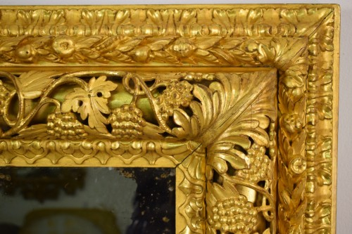 19th century - 19th Century, finely carved and gilded wood venetian mirror