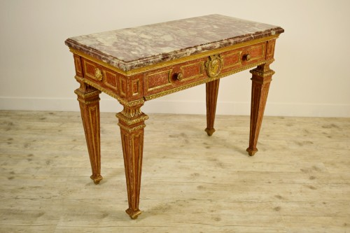 Furniture  - 18th Century, Italian gilded and red Lacquered Wood with marble top