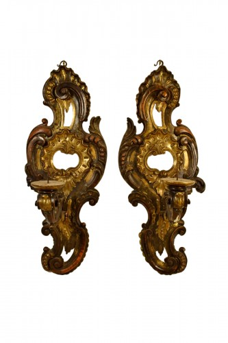 18th Century, Pair of large italian carved and gilded wood applique