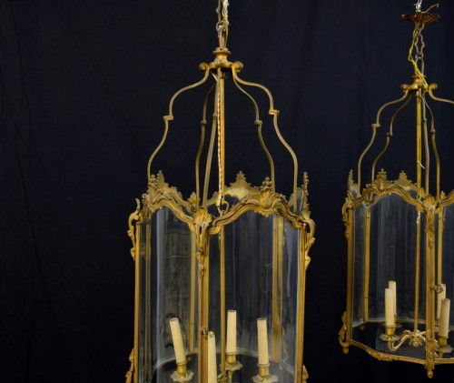 19th Century, Pair Franch Gilt Bronze and Shaped Glass Lanterns  -