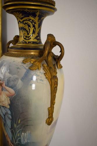 Antiquités - 19th Large Ormolu Mounted Sèvres Stile Porcelain Cobalt-Blue Vase and Cover