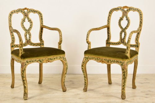 Seating  - 18th Century, Pair of venetian lacquered and gilded wood armchairs