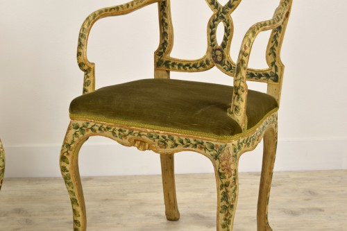 18th Century, Pair of venetian lacquered and gilded wood armchairs -