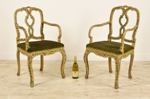 18th century - 18th Century, Pair of venetian lacquered and gilded wood armchairs
