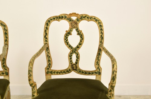 Louis XV - 18th Century, Pair of venetian lacquered and gilded wood armchairs