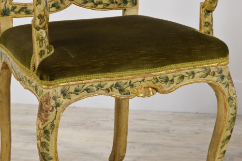 Antiquités - 18th Century, Pair of venetian lacquered and gilded wood armchairs