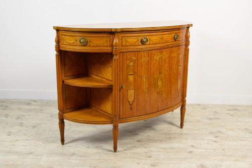 19th Century English Satinwood Cabinet - Furniture Style