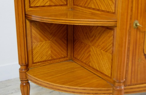 19th century - 19th Century English Satinwood Cabinet