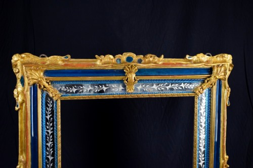 18th Century venetian wall mirror, gilt wood and blu Murano glass - Mirrors, Trumeau Style