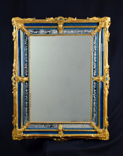 Mirrors, Trumeau  - 18th Century venetian wall mirror, gilt wood and blu Murano glass