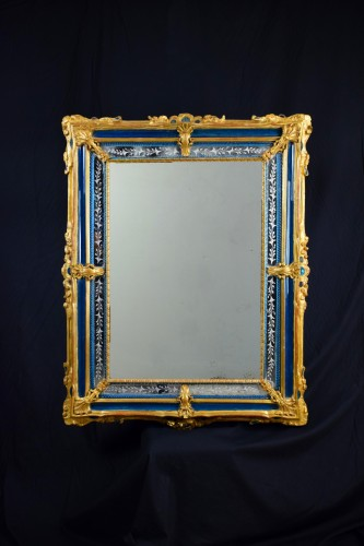 18th Century venetian wall mirror, gilt wood and blu Murano glass -
