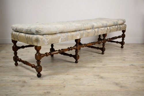 Rocchetto Walnut Bench, 19th Century - Seating Style