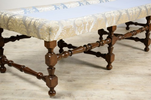 19th century -  Rocchetto Walnut Bench, 19th Century