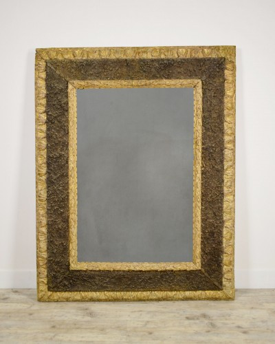 17th Century, Italian Carved Gilt Wood Mirror With Small Stones - Mirrors, Trumeau Style
