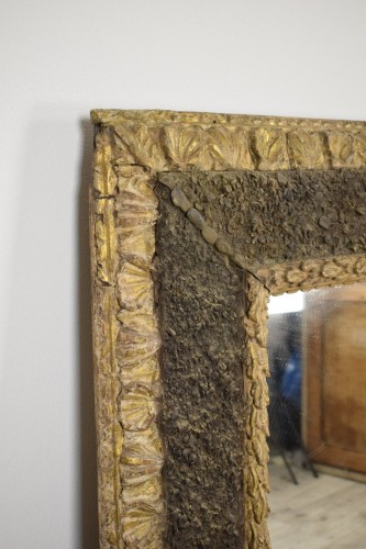 17th century - 17th Century, Italian Carved Gilt Wood Mirror With Small Stones