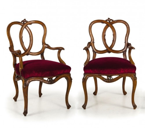 Seating  - 18th century Four Venetian Carved Walnut Wood Armchairs