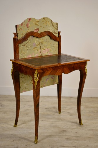 18th Century, French Louis XV Center Writing table with screen  - Furniture Style Louis XV