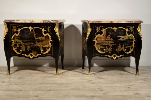 19th century - 19th Century, Pair of French Chinoiserie Lacquered Commodes with Marble Top