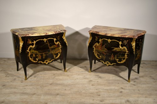 19th Century, Pair of French Chinoiserie Lacquered Commodes with Marble Top -