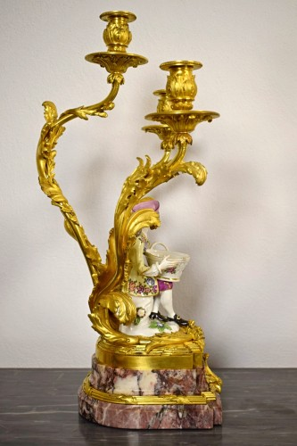Antiquités - 19th Century, Pair of French Gilt Bronze Candlesticks with Porcelain