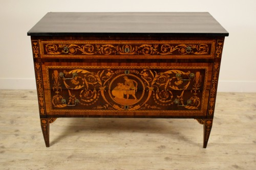 18th century - 18th century, Italian Neoclassical Inlaid Rosewood Chest of Drawers