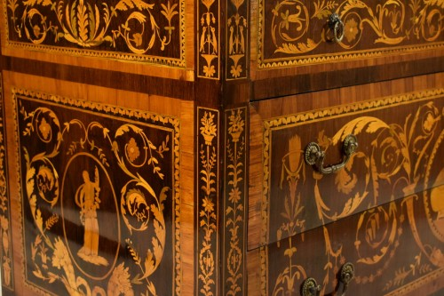 Antiquités - 18th century, Italian Neoclassical Inlaid Rosewood Chest of Drawers