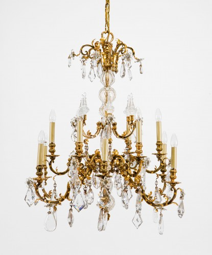 20th Cent., Pair of French Crystal Gilt Bronze Chandeliers by Maison Baguès - Lighting Style