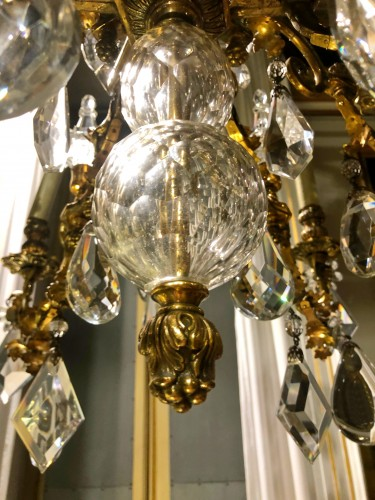 20th Cent., Pair of French Crystal Gilt Bronze Chandeliers by Maison Baguès -