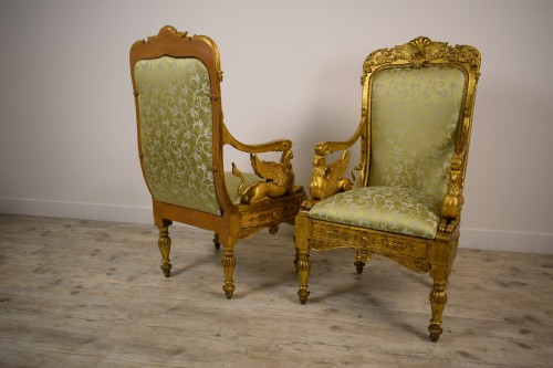 Antiquités - 18th Century, Pair of Italian Neoclassical Carved Giltwood Armchairs