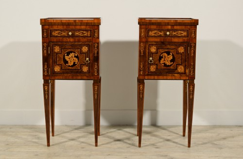 18th Century, Pair of Italian Neoclassical Inlaid Wood Bedside Tables