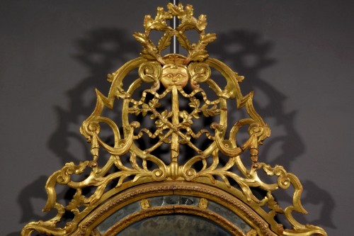 18th century - 18th Century, Italian Carved and Gilt Wood Mirror