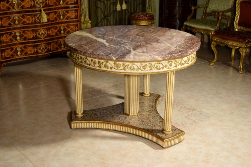 18th century, Italian Neoclassical Round Lacquered Wood Center Table  - Furniture Style Louis XVI
