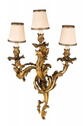 19th Century, Pair Of French Louis XV Style Three-light Gilt Bronze Wall Sc - Lighting Style