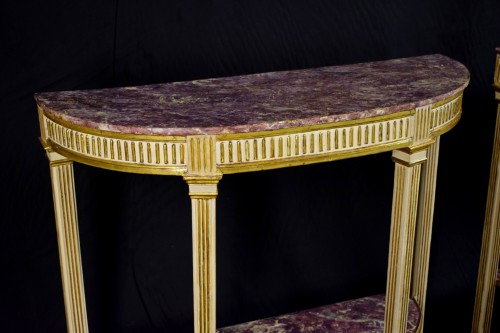 Antiquités - 18th Century, Pair Of Italian Neoclassical Lacquered And Giltwood Consoles