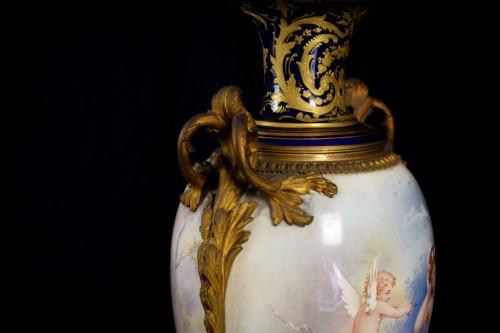 Antiquités - 19th Large Ormolu Mounted Sèvres Stile Porcelain Cobalt-blue Vase