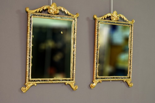 18th century - 18th Century, Pair Of Italian Neoclassical Carved And Gilded Wood Mirrors