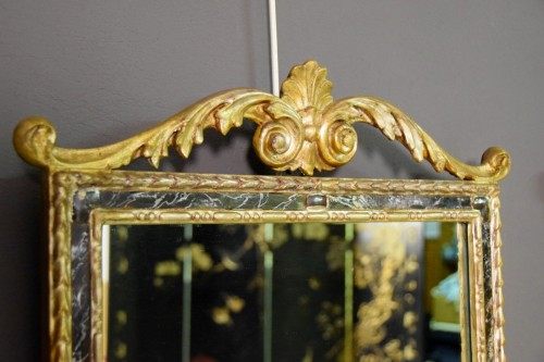 Antiquités - 18th Century, Pair Of Italian Neoclassical Carved And Gilded Wood Mirrors