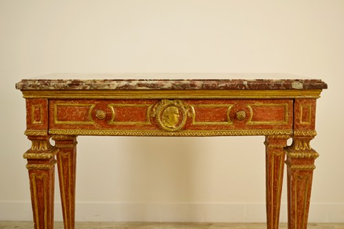 18th century - Carved, Golden And Lacquered Wood Console With Red Background, Marble Top