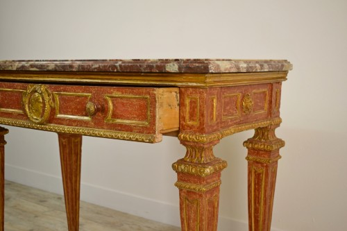 Carved, Golden And Lacquered Wood Console With Red Background, Marble Top - Empire