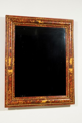 18th Century, Venetian Wood Mirror lacquered with Chinoiserie -