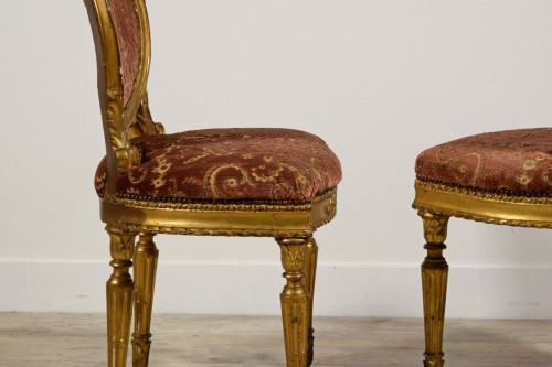 Antiquités - Pair of neoclassical carved and gilded wood chairs, Italy, late 18th century