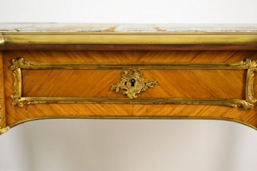 Antiquités - 19th Century, French Louis XV Style Wood Centre Desk With Gilt Bronze