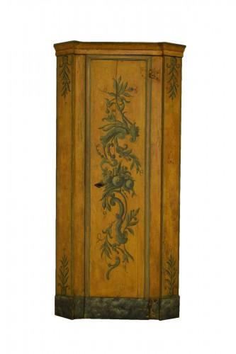 18th Century, Italian Laquered Wood Corner Cabine