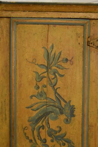18th Century, Italian Laquered Wood Corner Cabine - Louis XIV