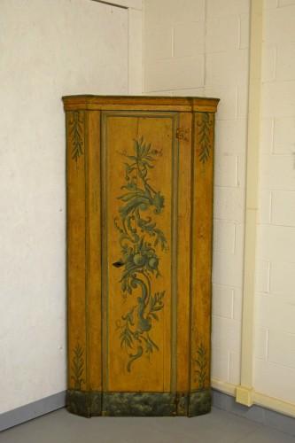 Louis XIV - 18th Century, Italian Laquered Wood Corner Cabine
