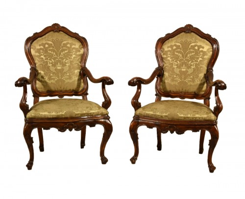 Pair of carved wooden armchairs, Italy, 18th century, Louis XV