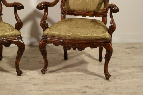 Seating  - Pair of carved wooden armchairs, Italy, 18th century, Louis XV