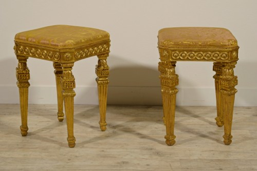 18th century -  18th Century Pair of Italian Neoclassical Gilt Wood stools