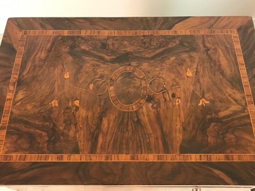 Transition - 18th Century, Pair of Italian Walnut Wood Bedside Tables