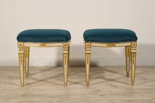 18th Century Pair of Italian Neoclassical Lacquered Wood Stools  - Seating Style Louis XVI